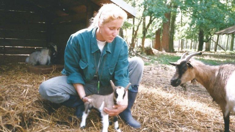 Tierpflegerin im Wildgehege Moritzburg 2
